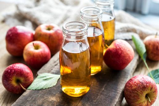 vinagre de manzana para el cabello rizado
