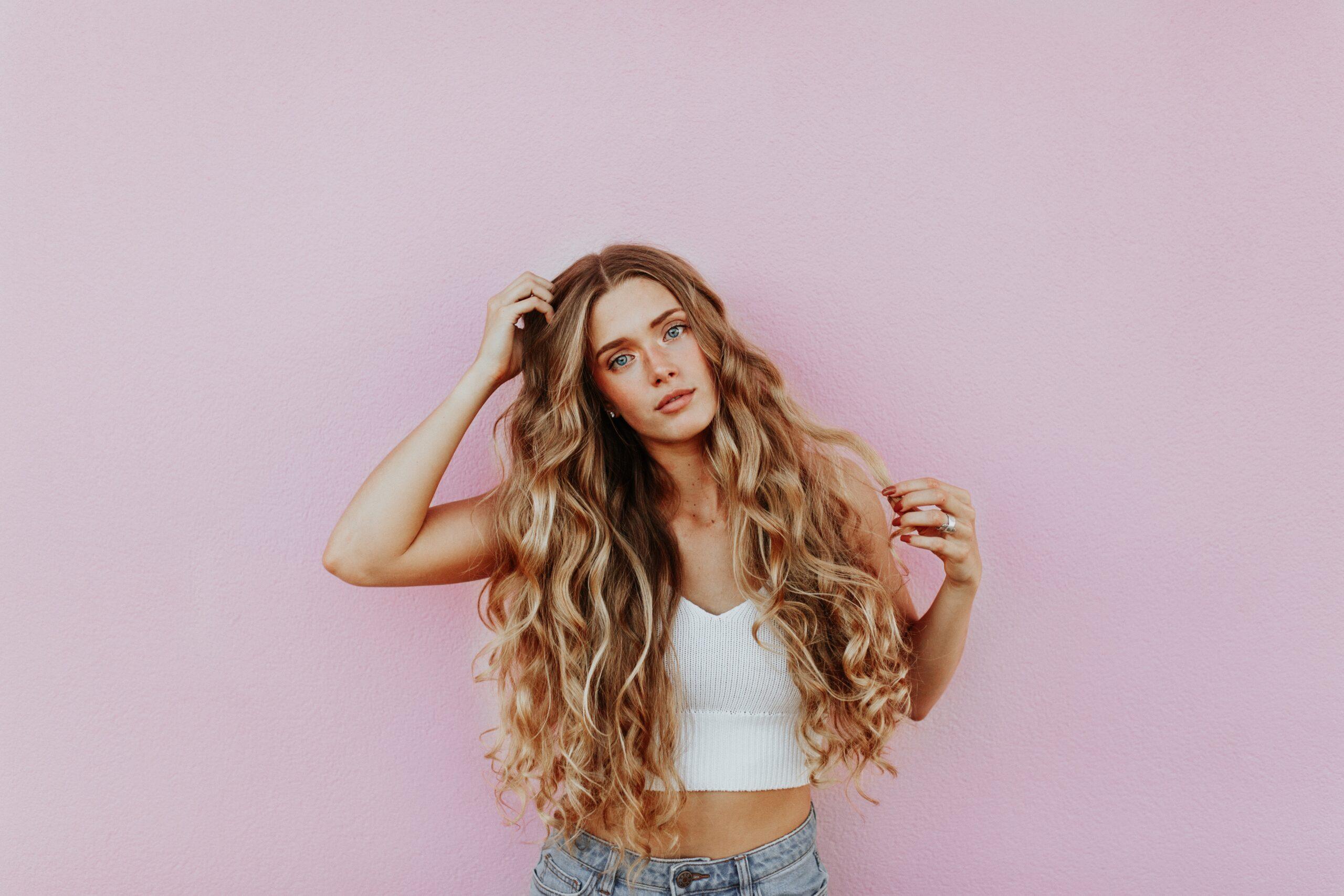 proteina de seda para el pelo rizado